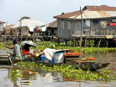 Πλωτή αγορά στο Γκανβίε