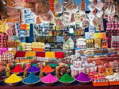 Μικρό μαγαζί στο Δελχί της Ινδίας.