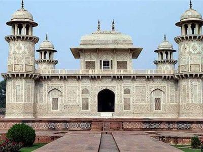 Itmand Ud Daula Mausoleum, Agra, India.