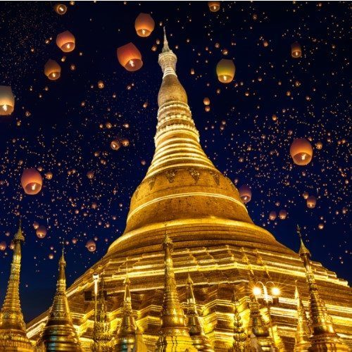 Shwedagon pagoda with larntern in the sky, Yangon Myanmar