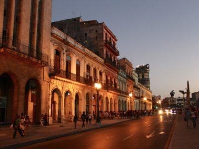 Cuba-Havana-night street