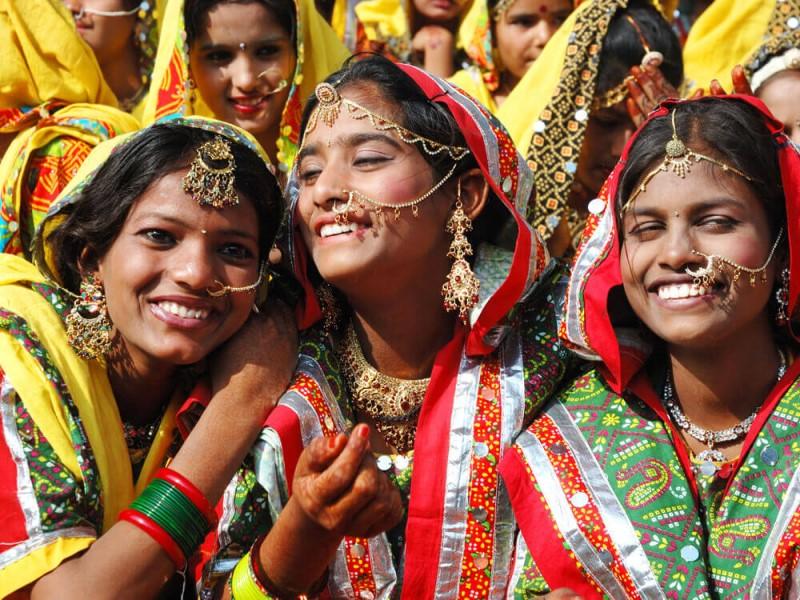 κορίτσι που χρονολογείται στην Ινδία