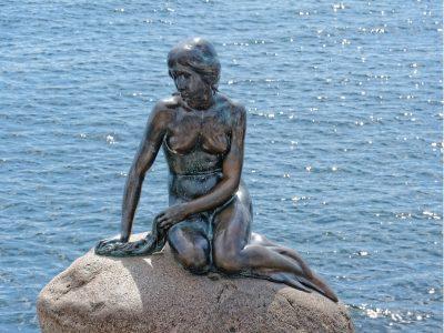 Denmark-Copenhagen-The Little Mermaid-Statue