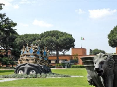 Italy-Rome-Cinecittà Studios-Decorationt Element form Kazanova-Felini Jean-Pierre Dalbéra-Wikimedia Commons